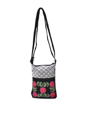 Black and white Emb. small sling
