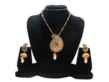 Golden Stone Studded Pendant Set