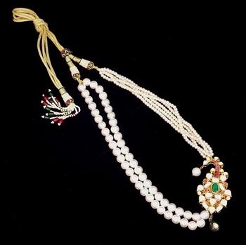 Off Center Meena Kundan Pendent, Pearl Necklace