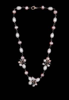Just Women - Elegant Shell Pearl Necklace