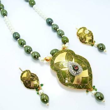 Meenakari Leafy Solid Color Necklace Muddy Green