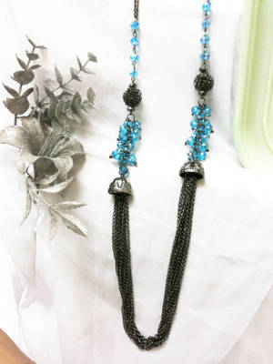 Western & stylish long necklace designed to welcome summer in style