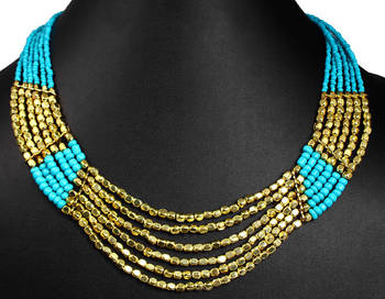 Necklace plated in gold tone.