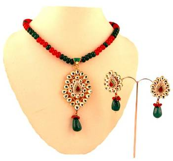 Kundan Pendant Set with matching earrings. Green Hangings.