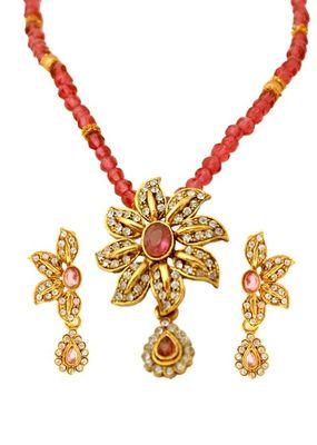 Kshitij Lush bead based pendant set