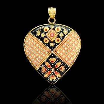 Tanjore Heart Flower Pendant